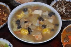 玉米蘿蔔丸子湯