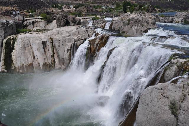 雙瀑布城的瀑布景觀